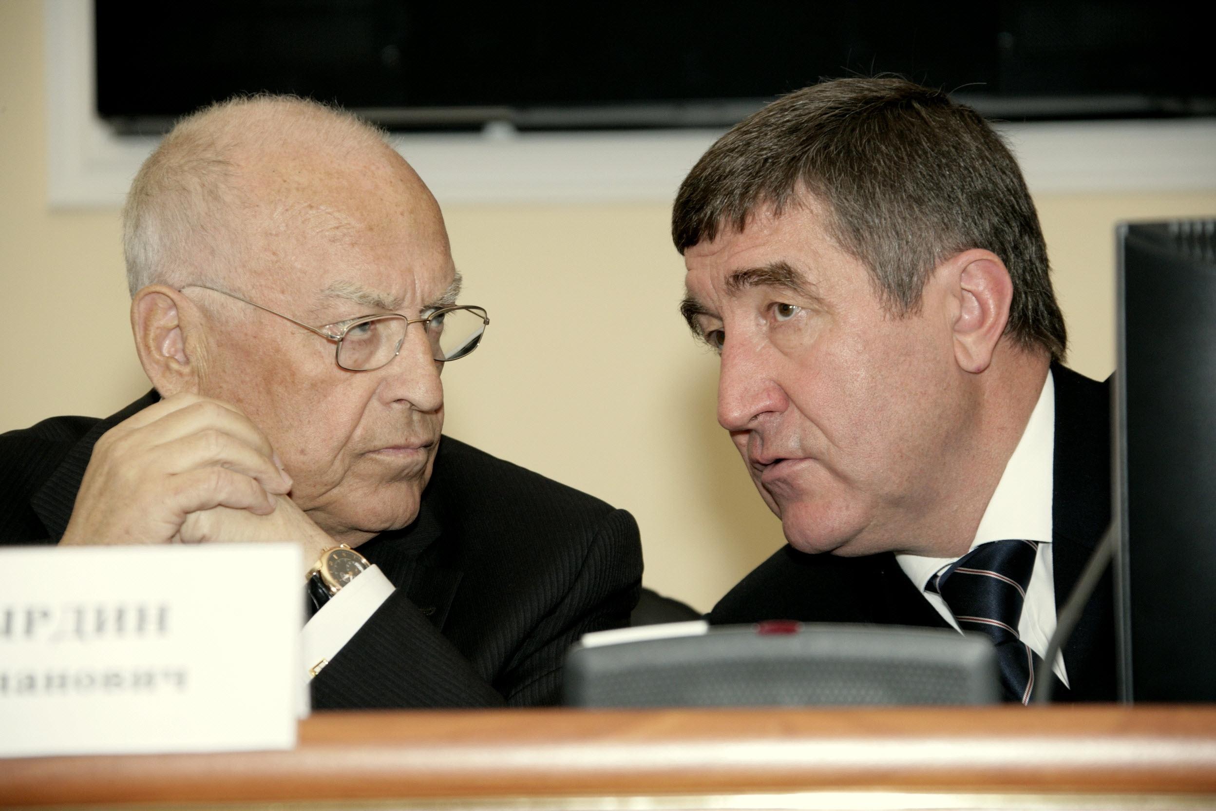 С советником президента В.С. Черномырдиным; 2009 г.